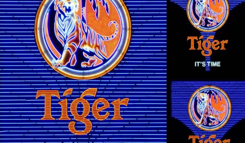 Image of  Tiger Beer Sign, Singapore